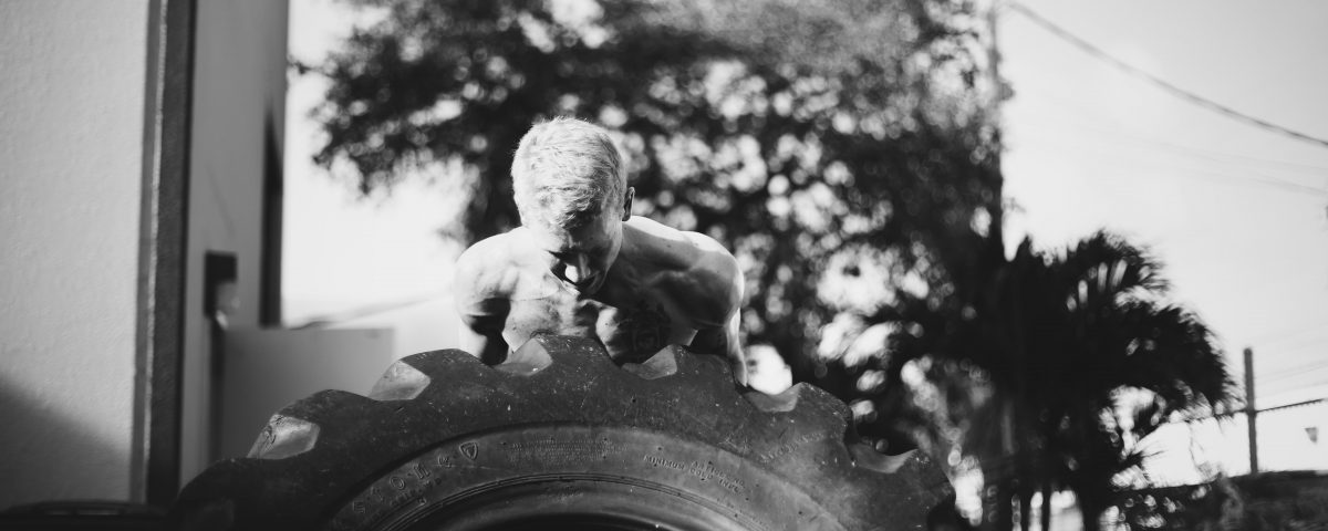 crossfit 1401 tire flip strongman